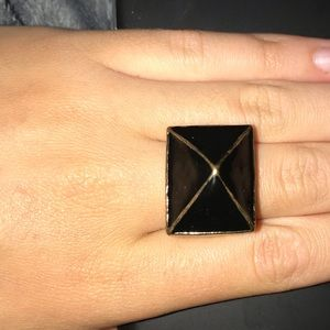 Jewelry - Black & Gold chunky ring